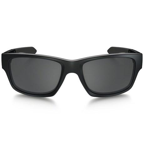 Óculos de Sol Oakley Jupiter Squared 9135-01 Preto   Cinza 3c812a94d5